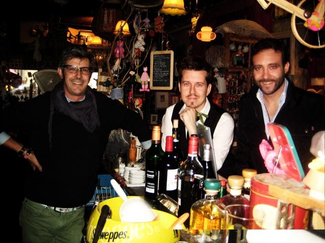 Que cada reunión sea un placer. (con Juan Bautista, tabernero, y Pablo Ferrari, director de cine porno).